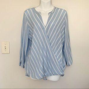41 Hawthorn cross front light blue blouse size L